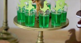 Drei-Rex-Dinosaurier-Geburtstagsfeier - Masha/Hannah Geburtstag - #DreiRexDino...